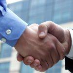 Accordo con stretta mani